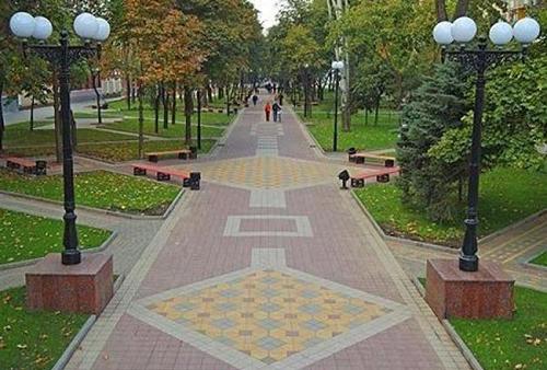 Благоустройство дворов, парков, площадей
